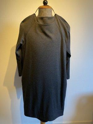 Kleid mit Taschen der Marke SET