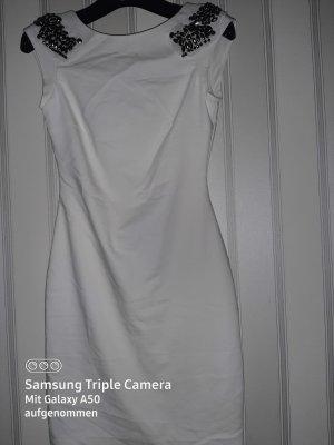 Kleid mit tiefem Rückenausschnitt ZARA