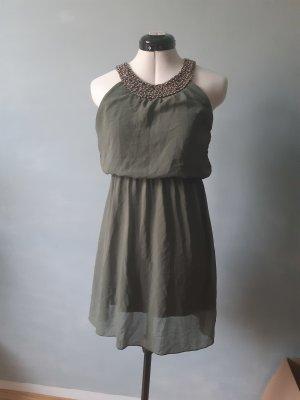 Kleid mit verziertem Kragen