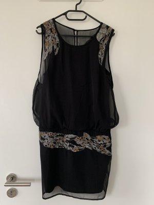 Kleid mit Verzierung Größe S