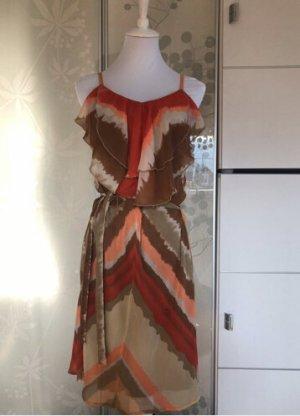 Kleid mit Volant und Schleife braun orange beige