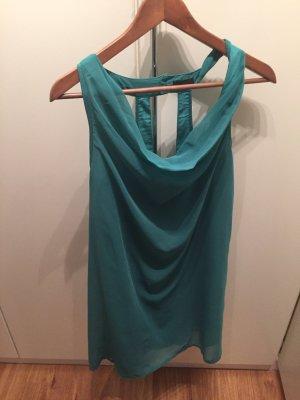 Kleid mit Wasserfallauschnitt