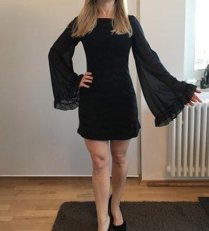 Kleid mit weiten Chiffon-Arm