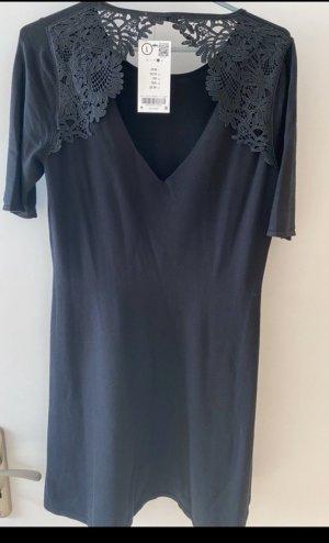 Kleid mit wunderschönem spitzenrücken häkelspitze