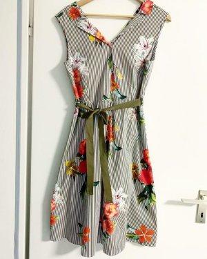 Kleid more&more neuwertig Blumen