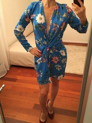 Vestido cruzado azul neón