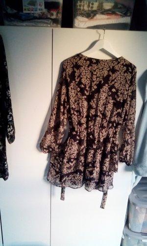 Kleid ,neu mit Vollant