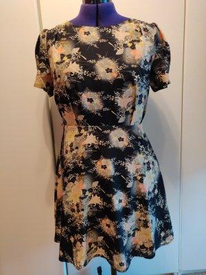 Kleid Oasis romantisch elegant Größe 14/40