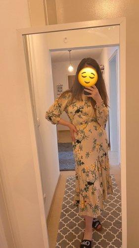 Kleid Offshoulder