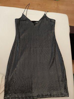 Kleid Pailetten
