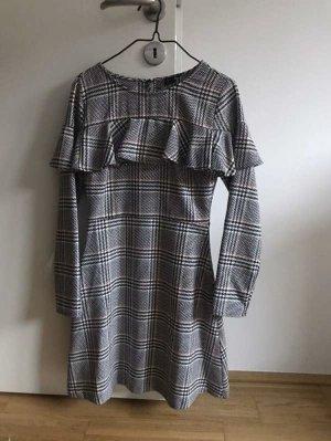 Kleid Reserved
