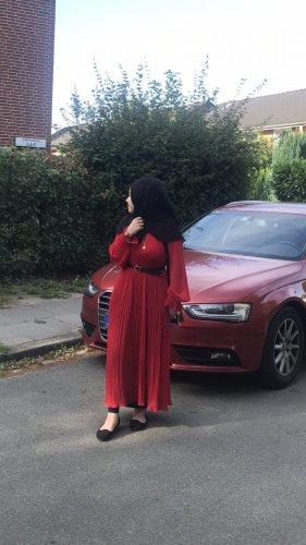 Kleid rot nagelneu