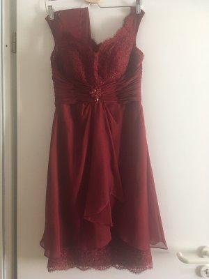 Kleid rot von Pronovias