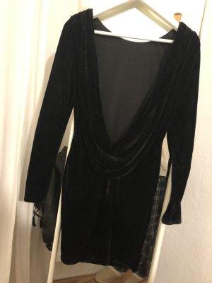 Kleid - Samt - Tiefer Rückenausschnitt