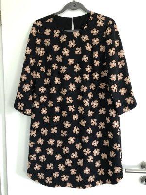 Kleid schwar mit Blumen altrosa