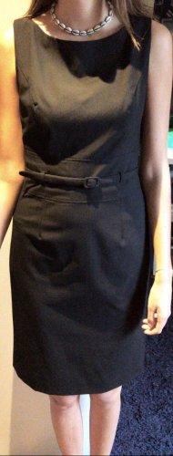 Kleid; schwarz