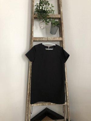 Kleid // schwarz