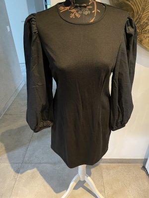 Kleid schwarz mit Ballonärmel