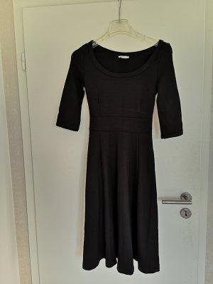 Kleid schwarz NEU