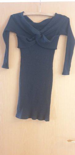 Kleid Schwarz und Süß
