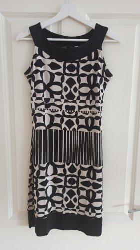 C&A Yessica Sukienka midi czarny-w kolorze białej wełny