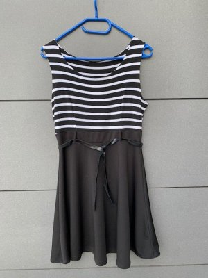 Kleid schwarz weiss Gr. 38 wie neu A-linie