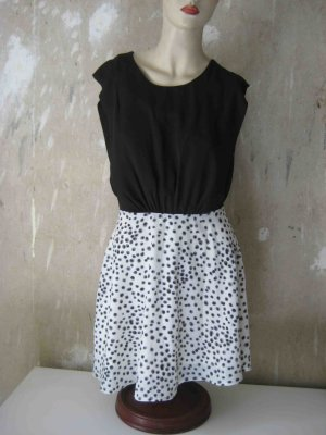 Kleid schwarz-weiß von Lavand - casual Look