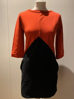 Kleid Strecht Pulloverkleid graphisch schwarz rot Gr. S