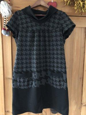 Kleid Taifun - Gr. 44 - mit Kragen