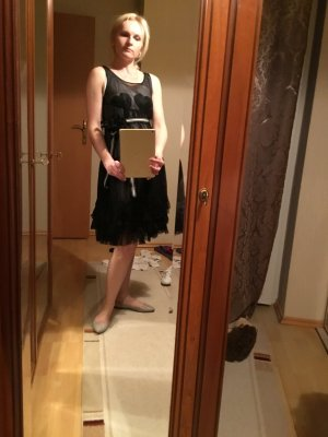 Kleid Twin Set Simona Barbieri, Fashion, mit weißem Unterkleid. S