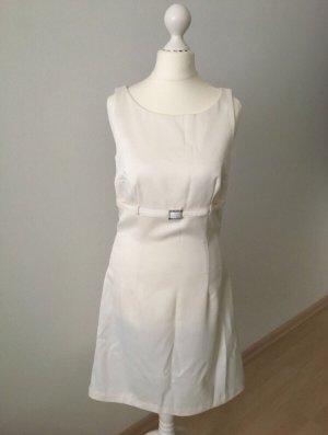 Kleid von Apart