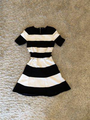 BCBG Maxazria Sukienka koktajlowa biały-czarny