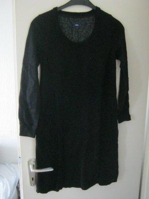 Kleid von Cecil