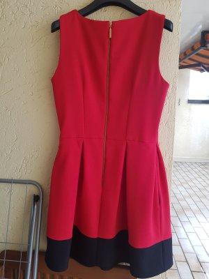 Kleid von closed in rot/schwarz