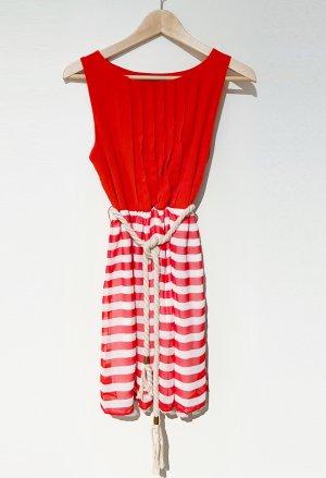 Kleid von Club L