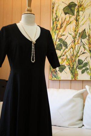 Comma Robe découpée noir tissu mixte