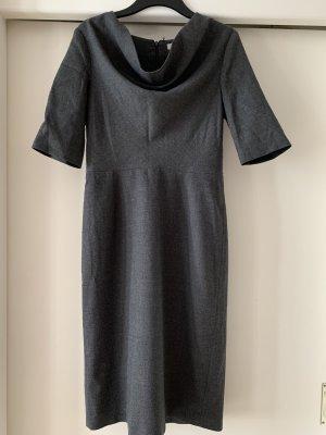 Kleid von COS aus Wolle, Größe 38