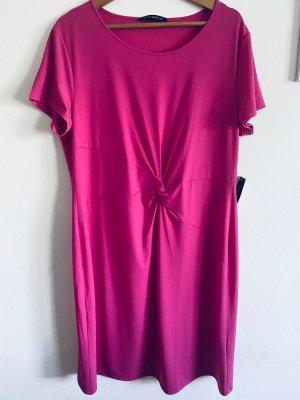 Kleid von der Marke Betty Barcly