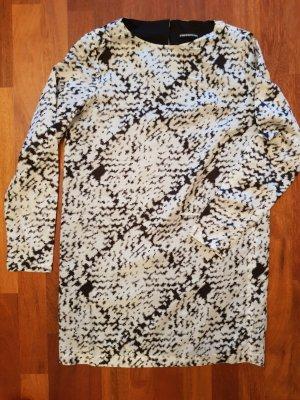 Kleid von Drykorn mit 30% Seide