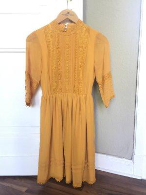 Kleid von EDITED
