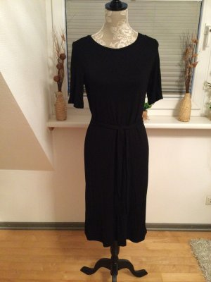 Kleid von Esprit in Größe M in Schwarz