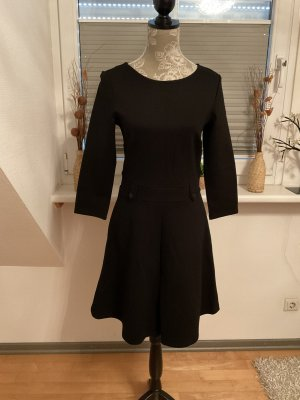 Kleid von Esprit in Größe S in Schwarz