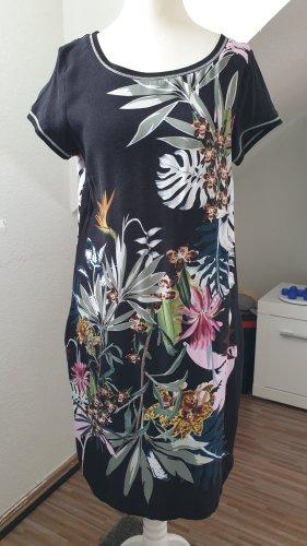 Kleid von Geisha, Gr. 34