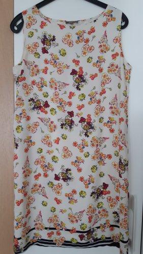 Kleid  von  GMD