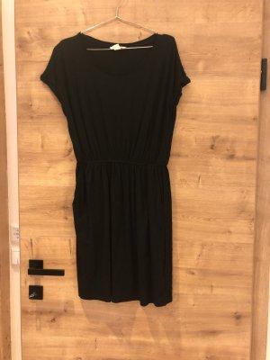 Kleid von H&M Basic