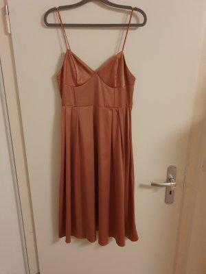 Kleid von H&M in Größe 40 - NEU