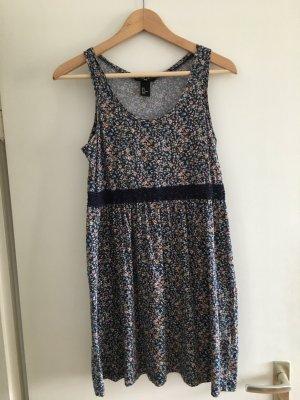 Kleid von H&M in Größe S.