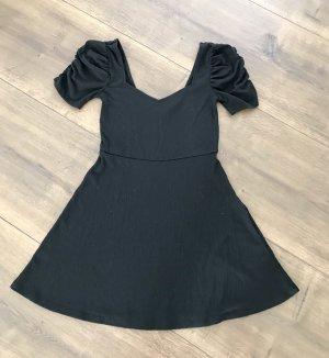 Kleid von H&M mit Puffärmel
