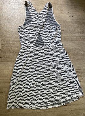 Kleid von Hollister mit raffinierten Rücken