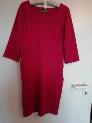 Kleid von ICHI mit Taschen